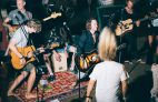Surfen in Zarautz: Ein Konzert im Good People Surf Camp